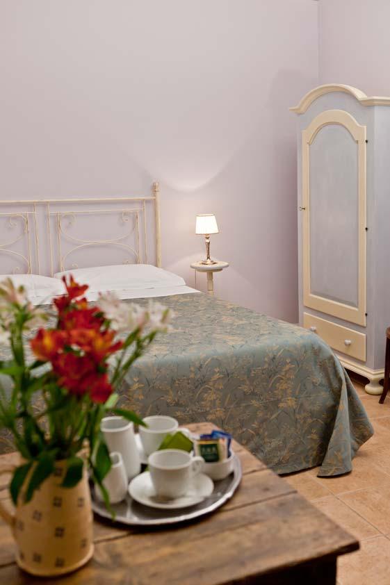 offerta-bb-foligno-camera-matrimoniale-bagno-ingresso-privato-foligno
