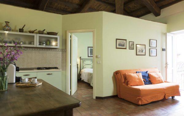 Appartamento ideale per famiglie, angolo cottura soggiorno e camera separati, ingresso e bagno privati.